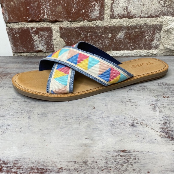 New without box toms flat sandals slides 7.5